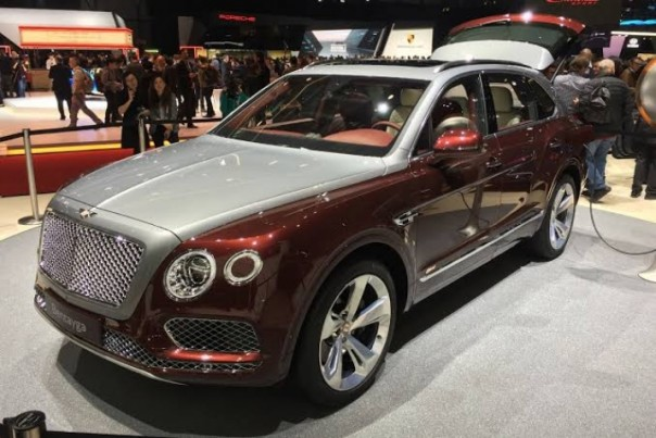 SUV Bentley Bentayga Hybrid