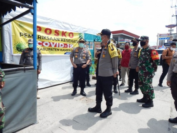Posko check point di Kampar